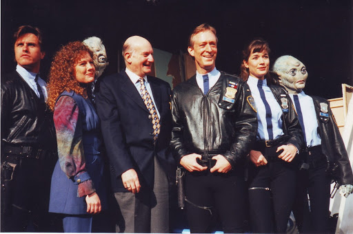 Space Precinct launches on Sky One and BBC2.